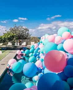 For all the balloon lovers out there! Styling @jasonjamesdesign Balloons @pinkmixparties Photography @latessaphotography #bridesjournal #sydney #photo #photography #balloons #pandora #event #styling #pink #fun #spring #summer #autumn #inspo #party #birthday #vibes #dopandora