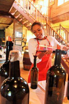 Chile, Santa Cruz, Valle Colchagua, Viña MontGras, Faça Seu Próprio Vinho Chile, Coffee Maker, Kitchen Appliances, Wine, The Moon, Santa Cruz, Travel, Tourism, Coffee Maker Machine