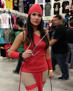 Catching up on more Sun cosplay from #ACCC2016! Elektra in her classic look! #cosplay #cosplaybabes #alamocitycomiccon #elektra #marvel #marvelcomics #conlife #conventions #myphotos #sanantonio