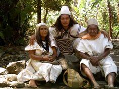 ¡¡¡¡¡INDIOS Y EL MAMO MAYOR,SIERRA NEVADA DE SANTA MARTA!!!! Sierra Nevada, Colombian People, Lost City, South America, Beautiful People, India, Culture, Trek, Couple Photos
