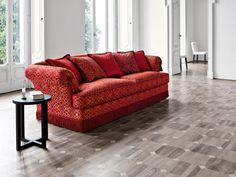 Il legno, la pelle, lo stile e le forme dei MOBILI CLASSICI DA SOGGIORNO #arredamentocasa #living http://www.arredamento.it/articoli/articolo/zona-giorno/2591/mobili-soggiorno-classici-la-bellezza-dalla-qualita.html