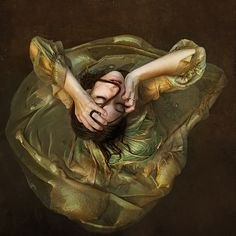 Brooke Shaden is a promising young American photographer who brings Pre-Raphaelite proportions to her photography, what with painting qual. Conceptual Photography, Fine Art Photography, Inspiring Photography, Underwater Photography, Fotografia Fine Art, Pre Raphaelite, Illustrations, What Is Like, Mother's Milk