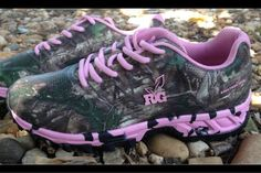 Realtree pink Camo shoes a got to have in a country girls line mmmmhmmm
