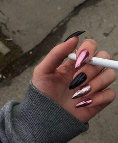 Pink Chrome Nails, Gold Acrylic Nails, Rose Gold Nails, Summer Acrylic Nails, Pink Manicure, Gel Nails, Bandana Nails, Claw Nails, Pointed Nails