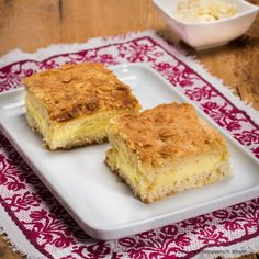 Bienenstich Austrian Recipes, Cornbread, Tiramisu, French Toast, Breakfast, Ethnic Recipes, Food, Cooking Recipes, Bee Cakes