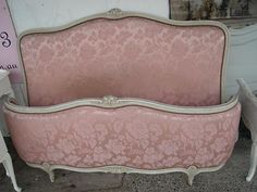 Pretty in pink, French bed