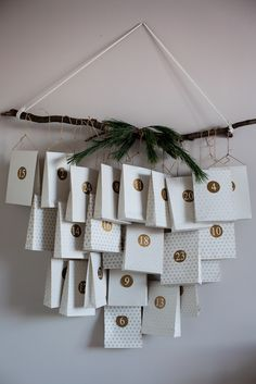 DIY Scandi Christmas Advent Calendar / My Scandinavian Home. Bags and stickers from Nordal. Make An Advent Calendar, Homemade Advent Calendars, Christmas Calendar, Diy Calendar, Printable Calendar Template, Printable Christmas Cards, 2021 Calendar, Noel Christmas, Scandinavian Christmas