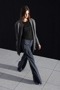 Theyskens' Theory Spring 2011 Ready-to-Wear Collection Photos - Vogue