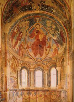 Peintures de la chapelle des moines de Berzé-la-Ville (Sud de la Bourgogne), début du XIIe siècle : le Christ en majesté
