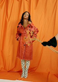 Rihanna Is A Laid Back Glam Queen For Allure's October Issue Estilo Rihanna, Rihanna Mode, Rihanna Style, Rihanna Outfits, Rihanna Fenty Beauty, Rihanna Fashion, Looks Rihanna, Orange Aesthetic, Vogue