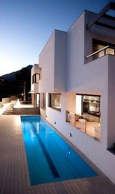 Espaço exterior com piscina