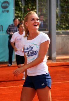 Agnieszka Radwanska Madrid 2013 out in round to Laura Robson in 2 ! Wta Tennis, Sport Tennis, Foto Sport, Tennis Live, Tennis Association, Tennis Workout, Ana Ivanovic, Tennis Players Female, Tennis Clothes