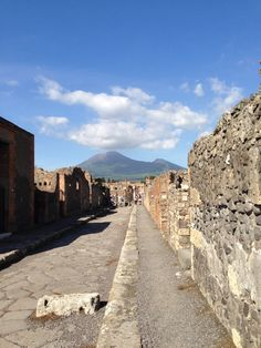 Ruins of Pompeii + Mt. Vesuvius  Experienced this with Nicole (Alwell) Gilbert in 2004.