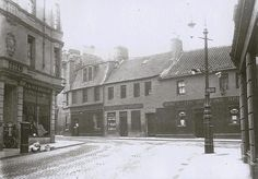 Lint Riggs/High Street junction- building on left is now a charity shop run by the Salvation Army.