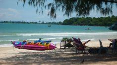 http://asia-myway.com/french-market/cambodge/sample-trips5/11j-10n-culture-et-d%C3%A9tente-au-cambodge.html  Sports nautiques sur la plage de Sihanoukville.