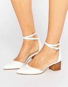 Zapatos de tacón con diseño en punta OFFICIAL de ASOS