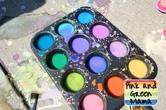 DIY sidewalk paint using cornstarch and food coloring