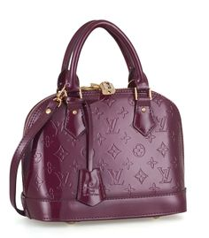 8300cbb5f147 10 Best Handbags images