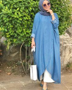 The perfect addition to any Muslimah outfit, shop Neways's stylish Muslim fashion Blue - Crew neck - Denim - Tunic. Modern Hijab Fashion, Hijab Fashion Inspiration, Trend Fashion, Abaya Fashion, Fashion Dresses, Dress Outfits, Iranian Women Fashion, Islamic Fashion, Muslim Fashion