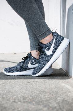 meet 33651 a20bc Nike Printed Roshe One Sneakers