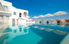 Swimming pool. Mykonos Grace Hotel. © Grace Hotels Limited