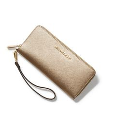 A wallet that wows. #WhatSheWants