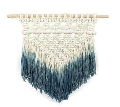 Loving the idea of adding some texture to my walls! Dip Dyed Macrame Wall Hanging