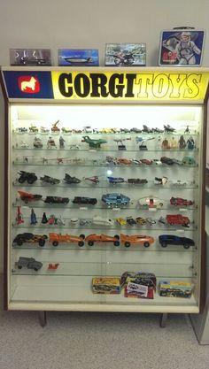 Corgi Toys Cabinet                                                                                                                                                     Mais