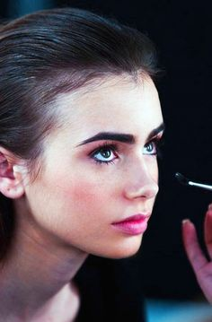 perfect makeup. natural brows are so many millions of times better than scrawny, plucked-out eyebrows!