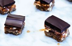 Er du også vild med Snickers, så vil du også elske denne lille hapser... (Recipe in Danish)