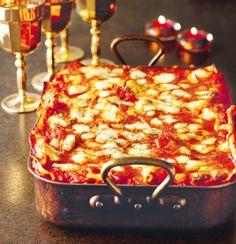 Pumpkin and Goat's Cheese Lasagne Nigella Tartiflette Recipe, Musaka, Bacon Pasta, Pasta Bake, Brunch, Roasting Tins, Easy Cheese, Nigella Lawson, Sandwiches