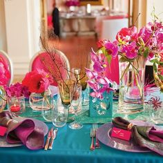 Beautiful table setting. Like the colors & tropical/nautical feel.