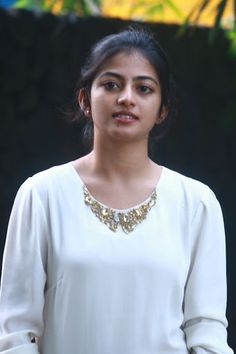 Anandhi (Rakshita) actress thunder thighs sexy legs images and sexy boobs picture and sexy cleavage images and spicy navel images and sexy. Beautiful Girl Indian, Most Beautiful Indian Actress, Beautiful Girl Image, Beautiful Actresses, Beautiful Women, Beauty Full Girl, Cute Beauty, Girl Number For Friendship, Stylish Girls Photos