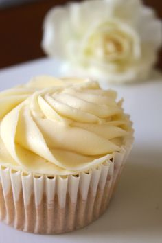 White Russian Cupcake with Vodka Buttercream Icing