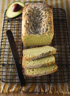 Avocado Ricotta Pound Cake from Avocados from Mexico is rich, moist and delicious. Topped with toasted pumpkin seeds, it's a comforting treat to have around the house du Perfect Pound Cake Recipe, Pound Cake Recipes, Pound Cakes, Just Desserts, Delicious Desserts, Dessert Recipes, Yummy Food, Guacamole, Superfood