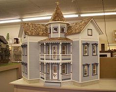 such a beautiful dollhouse! If you have details of the source of this image, please comment so I can credit them properly! Dollhouse Design, Dollhouse Kits, Victorian Dollhouse, Victorian Homes, Dollhouse Miniatures, Miniature Houses, Miniature Dolls, Farmhouse Paint Colors, Architecture Sketchbook
