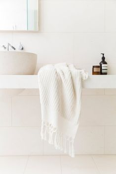 Loom Towels creates limited editions of hand-loomed bath and beach towels using traditional craftsmanship and the highest quality GOTS certified organic cotton and dyes. The world's best Turkish towels. Hand Towels Bathroom, Bath Towels, Bath Mat, Natural Laundry Detergent, Natural Bathroom, Tile Showroom, Organic Face Products, Modern Bathroom Decor, Bathroom Ideas