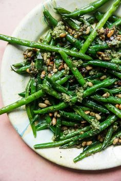 Simple blanched green beans (the hands-down best way to cook fresh green beans, BTW) are a perfect partner for fresh pesto in this easy, breezy summer side dish recipe. Green Vegetable Recipes, Fresh Green Bean Recipes, Cooking Fresh Green Beans, Vegetable Side Dishes, Veggie Recipes, Fresh Pesto Recipe, Green Beans Benefits, Blanching Green Beans, Recipes