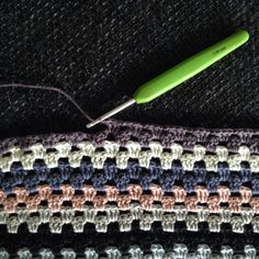 Evighedsprojekt 1.0 – Granny stripes – Frk. Hindborg Granny Stripes, Granny Stripe Blanket, My Granny, Chrochet, Diy Crochet, Diy Projects, Make It Yourself, Detail, Sewing