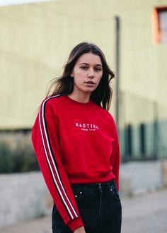 d314ad2bf3d2e sudadera básica roja de Kaotiko · Camisetas