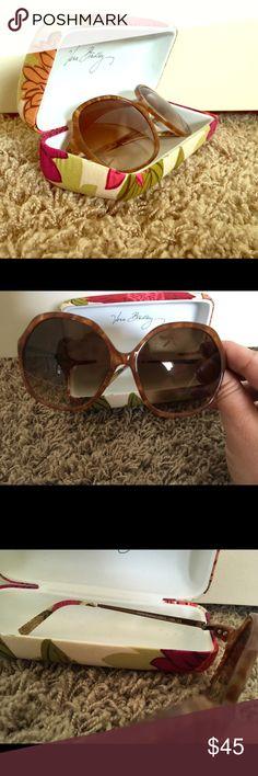 EUC Vera Bradley Sunglasses w/case ~ Hello Dahlia! EUC Vera Bradley Sunglasses w/case, Hello Dahlia print. Vera Bradley Accessories Sunglasses