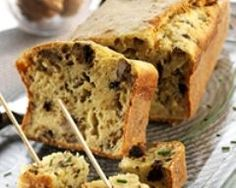 Cake aux crottins de chèvre et noix (facile, rapide) - Une recette CuisineAZ