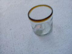 Vaso de vidrio soplado, un cuarto  Más info en: www.artesaniasdetonala.com