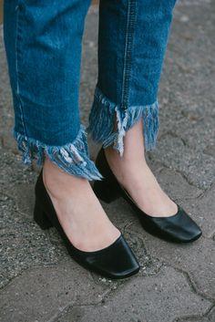 fashion blogger, style blogger, street style, spring fashion, randa salloum, vancouver bc, frayed denim, low heel, black shoes, black block heel