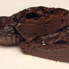 Intense chocolate pudding cupcake made with egg whites, yogurt and protein powder