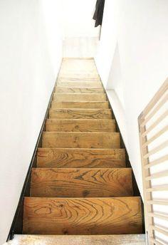 escalier_apres Renovation Parquet, Vestibule, Decoration, Sweet Home, New Homes, Stairs, Comme, Perspective, Avocado
