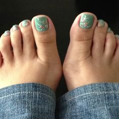 Hawaiian toe nails by me