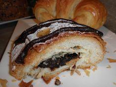 chocolate danish recipe Pastry Recipes, Danish Recipes, Bagel Recipe, Danish Food, Danishes, Cupcake Cakes, Cupcakes, Chocolate, Love Food