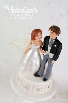 Wedding Cake - Bride and Groom Fondant Figurines  - Advanced modelling class