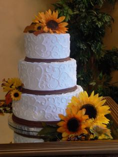 Sunflower And Hearts Wedding Cake Photo:  This Photo was uploaded by liaalbum. Find other Sunflower And Hearts Wedding Cake pictures and photos or upload...